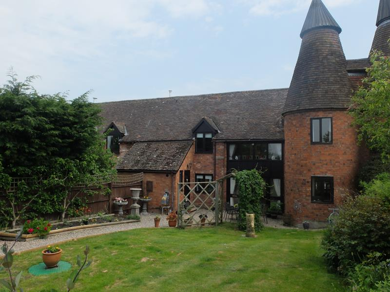4.000000 Bedroom Barn Conversion Ledbury
