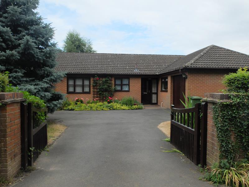 4.000000 Bedroom Detached Bungalow Ledbury