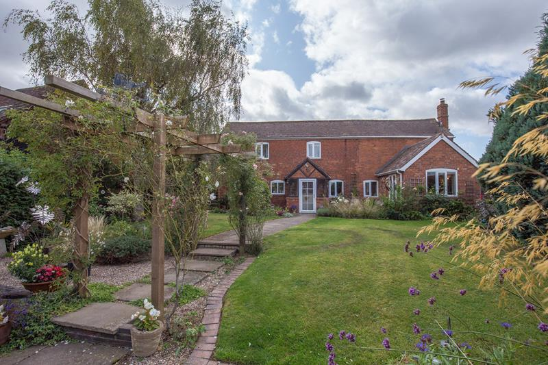 3.000000 Bedroom Detached Ledbury