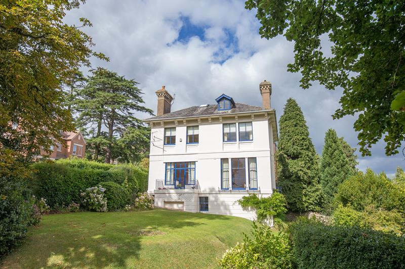 5.000000 Bedroom Detached Great Malvern