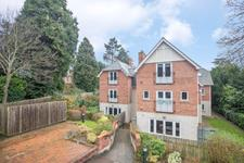 Malvern Freehold £320,000 Guide Price