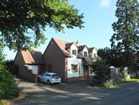 Malvern Freehold &#163;445,000 Guide Price<br />Licence