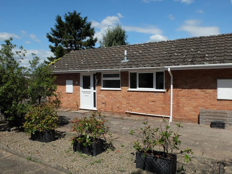 2.000000 Bedroom Semi-Detached Bungalow Ledbury