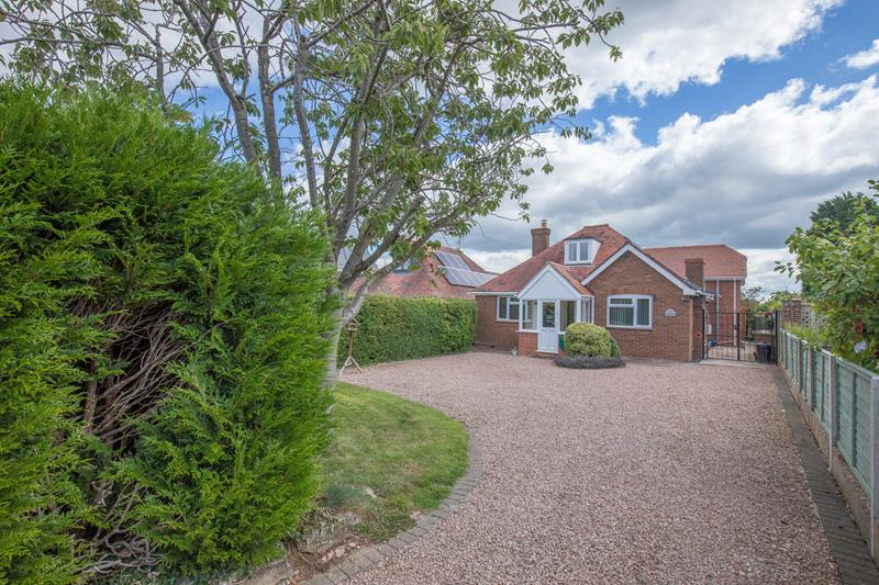 4.000000 Bedroom Detached Bungalow Malvern