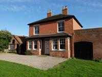 Ledbury Freehold £540,000 Guide Price<br />Licence
