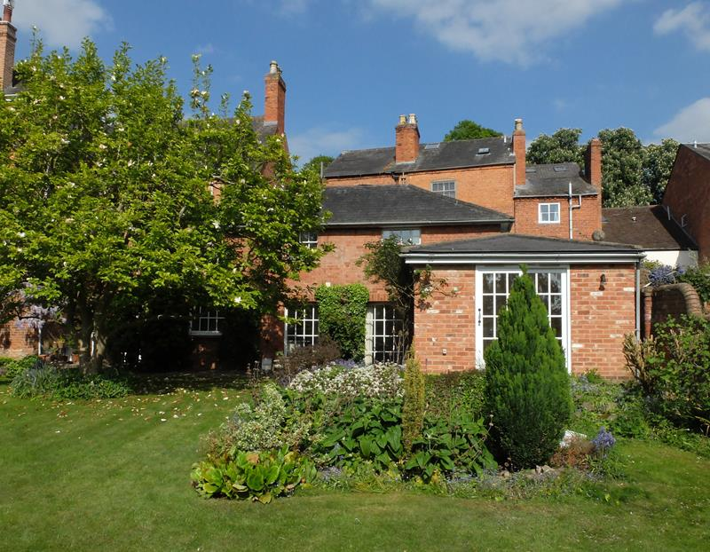 3.000000 Bedroom Semi-Detached Ledbury