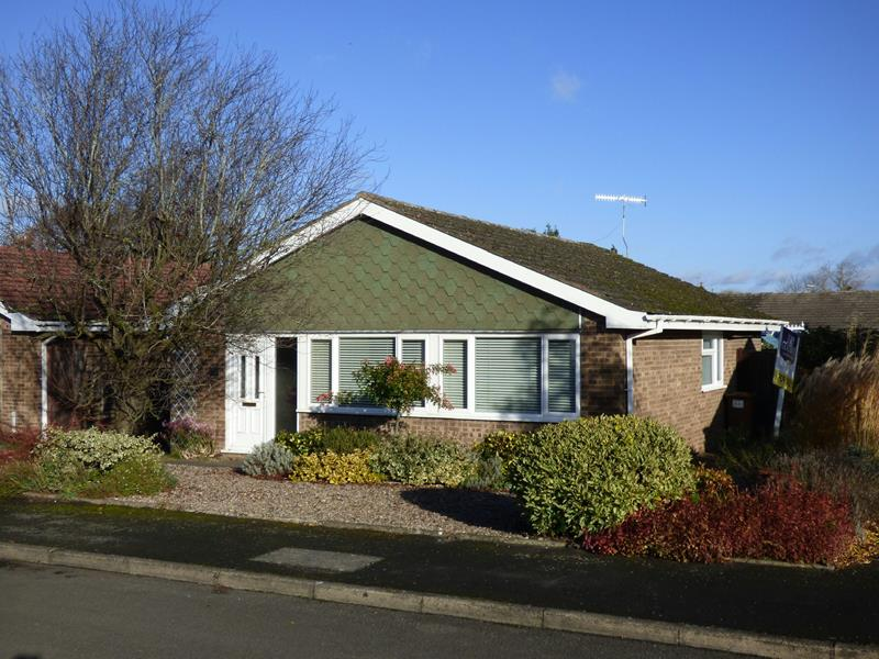 3.000000 Bedroom Bungalow Worcester